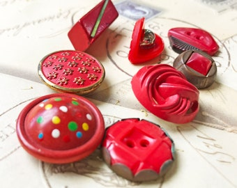 Red Buttons Vintage Plastic Metal Buttons Sewing Buttons Unique fleur de lis Button Jewelry Supplies DIY Craft Supplies 8 Buttons- B194