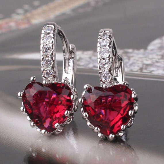 Lovely handmade 18ct white gold plated garnet crystal heart shaped earrings for pierced ears