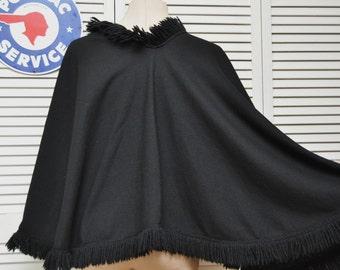 Vintage Womens Black Shawl Evening Wrap 60s 70s Gothic-Granny-Country-Prairie-Boho Formal Hippie Cape Fringe Retro Acrylic Costume Witch