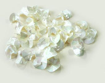 Glitter white mother of Pearl chips x 48
