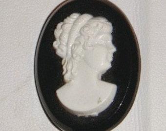 Black white Cameo pin brooch vintage