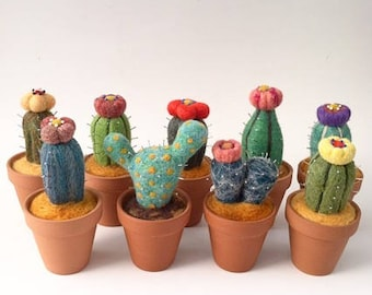 Cactus Pin Cushion, Needle Felted Wool in Terra Cotta Pot, Pincushion, Cacti, Plant, Flowering, Flower, Sewing, Pins