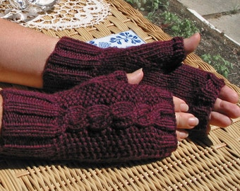 Fingerless Texting Gloves with Cable - BURGUNDY Red Plum Heather - All Wool