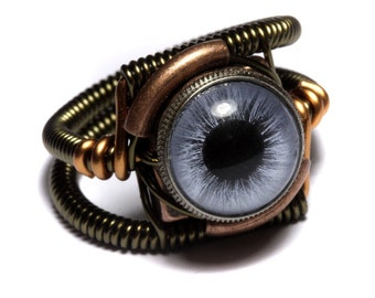 Eyeball ring, Blue taxidermy glass Eye,Steampunk Jewelry, beholder ring