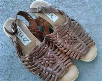 Womens vintage brown leather strappy sandals 6