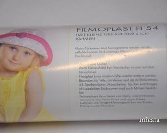 Filmoplast von Vlieseline Stickvlies selbstklebend in weiß, 54cm breit, für Maschinenstickerei