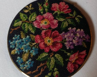 Vintage Austrian Micro Petit Point Compact, with Romantic Flowers, Summer Flowers, Dog Rose, Forget-Me-Not, Lilac, Austria 1930s-50s