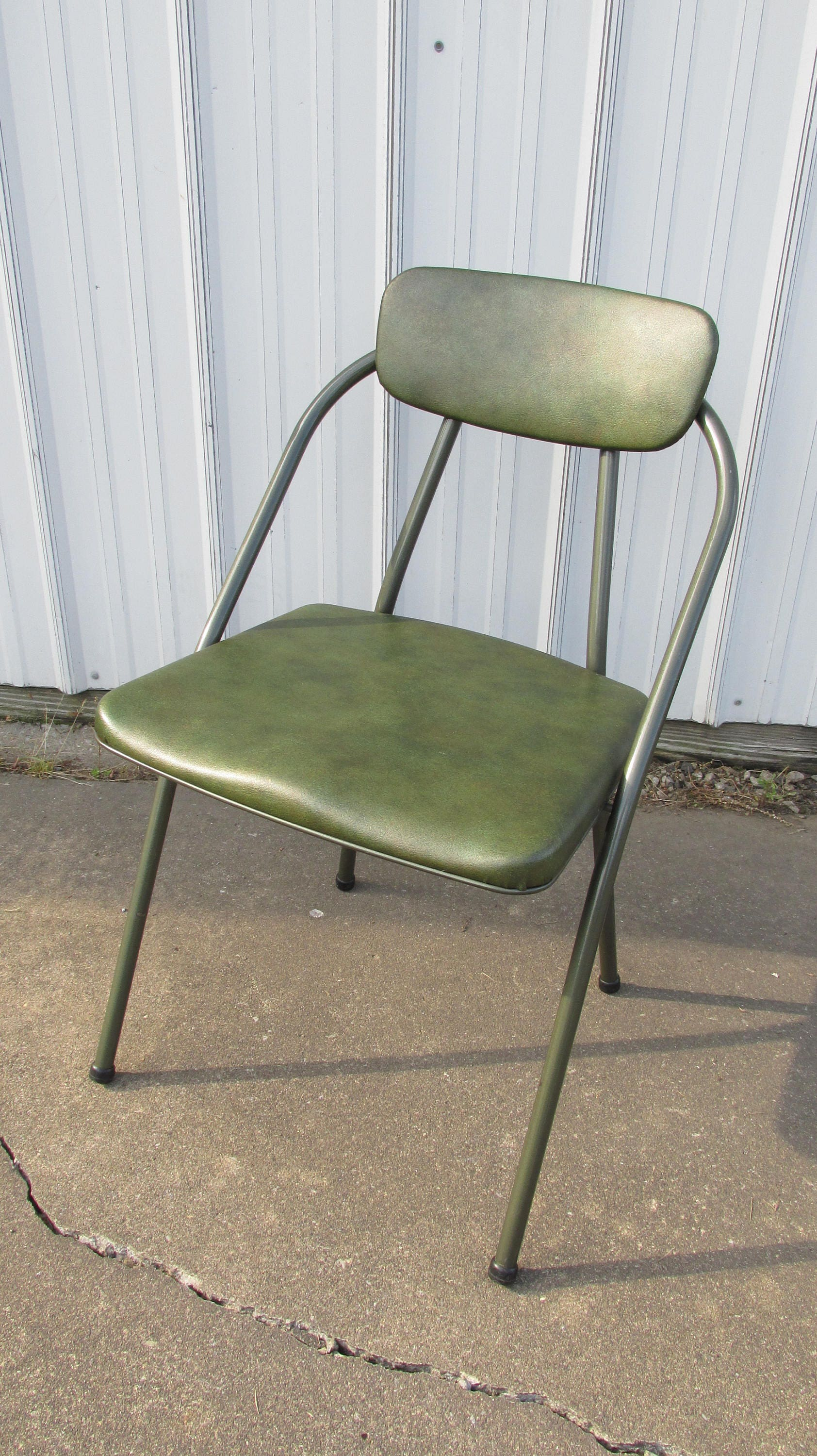 Vintage Hamilton Cosco Stylaire Green Folding Chair from the