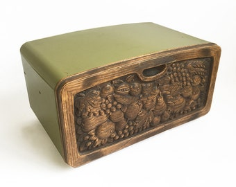 Mid Century Avocado Green Burlington Craft Metal Breadbox with Faux Wood Carved Front, Kistchy 1970s Bread Box