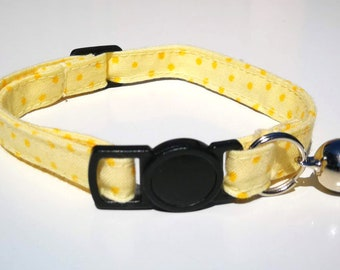Yellow spot with quick release clasp