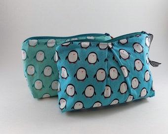 Penguin Print Zippered Pleated Pouch Cosmetic Bag Vacation Destination Bag Makeup Bag Pencil Bag