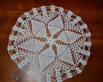 Handmade doily 29 cm, white, round crocheted with fine cotton