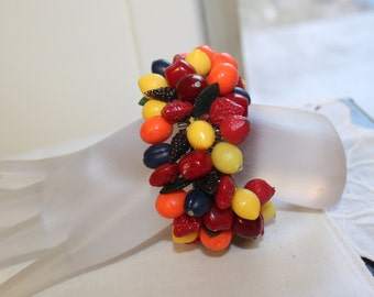 Vintage Fruit Beaded Bracelet, Vintage Carmen Miranda Jewelry, Expansion Bracelet, Bakelite Era Bracelet, retro, large wrist, Signed