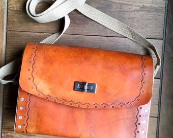 Leather and Wood medium Leather Messenger Shoulder Bag, Leather Cross Body Satchel Bag, Rustic Boho Hippie Bag, Gift for Her 3rd Anniversary