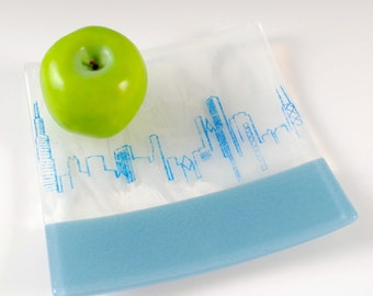 """Chicago Skyline Fused Glass 8"""" Platter"""