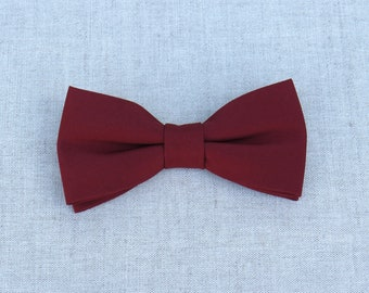 Maroon Bow Tie, Mens Bow Tie, Solid Maroon Bow Tie, Bow Tie for Men, Bow Tie for Wedding, Plain Bowtie, Groomsmen Bow Tie, Groom Bow Tie