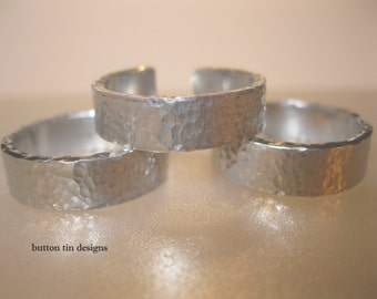 Aluminium adjustable ring. Hammered