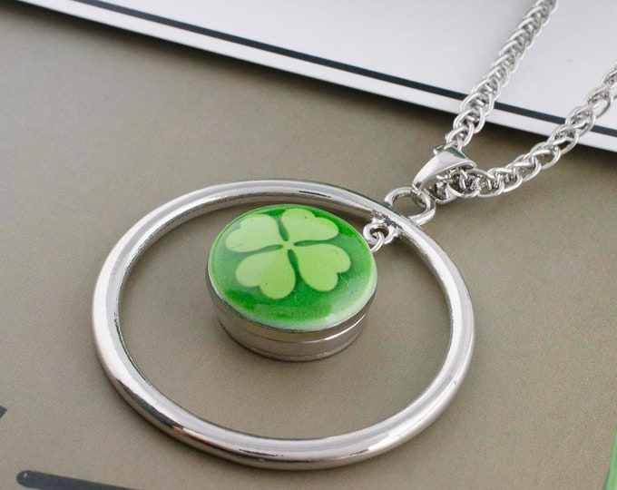 Four Leaf Clover Snap - Green Snap - Compatible with Gingersnaps - - Ginger Snaps -  Magnolia and Vine - Noosa 18-20mm Base - Enamel Snap