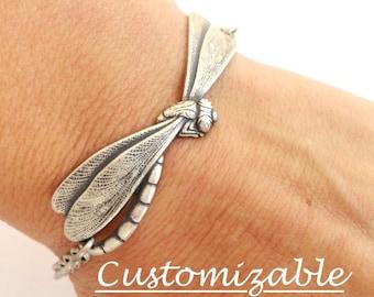 Bracelet steampunk libellule en argent boeuf ou finition en laiton, peut être personnalisé, ajouter sur les initiales & pierres de naissance disponibles