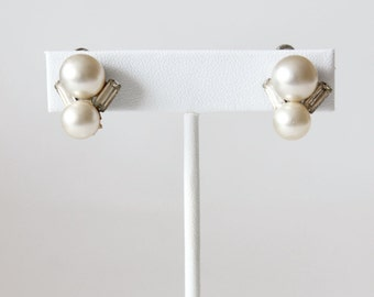 Vintage Coro Faux Pearl Rhinestone Screwback Earrings