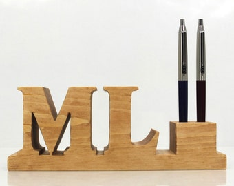 Personalised initials wooden pen holder for desk. Letter M. Letter L. Initial M. Initial L. Custom made personalized gift. Pencil holder.