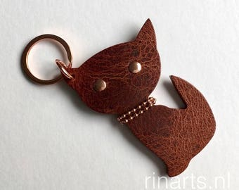 Leather Cat keychain / cat bag charm Kitten Meow in brown veg tanned bridle leather and rosé gold detailing.   Gift for cat lovers