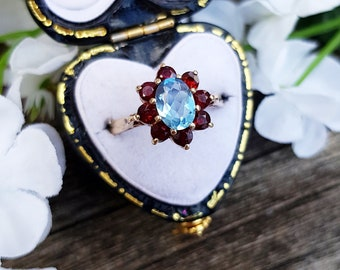Vintage 1970 9ct Yellow Gold Red Garnet and Blue Topaz Cluster Ring / Size L 1/2