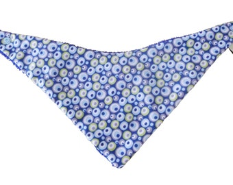 Bandana bib blue with round green