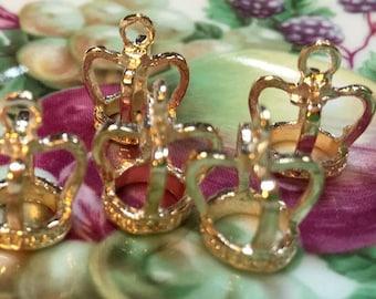 3 crown charm 3D alice in wonderland Princess crown pendant charm  gold color metal  (DRW15)