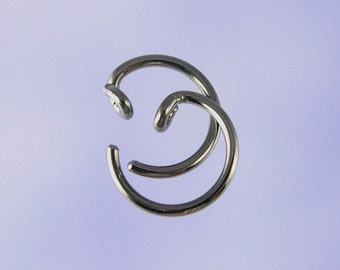 KISS3-18: Tiny 18 gauge pseudo-sleeper niobium earrings