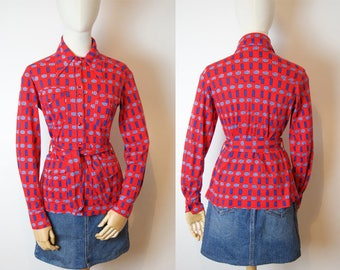 Red knit Shirt with blue & white Pattern / Vintage Shirt / S / M