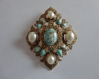 VINTAGE sarah coventry DIAMOND shaped BROOCH with faux turquoise and pearls