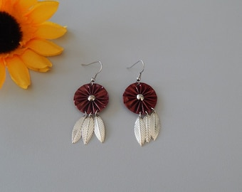 Earrings with pendant capsules Burgundy and silver feathers