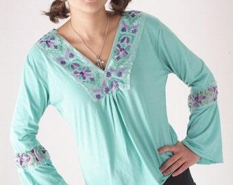 ON SALE Vintage 1970s bohemian turquoise blue top, medium large