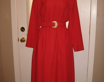 1980s Womens Red Caron Of Chicago Day Dress/ 80s Oversized Blousy Dress/  Gold Accents/ Modest Red Dress Size M  / Red Valentines  Dress