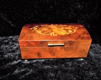 Sorrento vintage Lute & Flowers Music Box