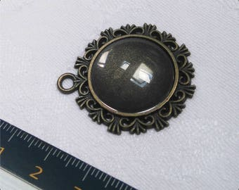 Medium pendant bronze 20 mm glass cabochon
