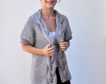Women's Sweater Cardigan Jacket Chunky Oversize Cable Sweater Hand Knit Light Brown Winter Knitwear