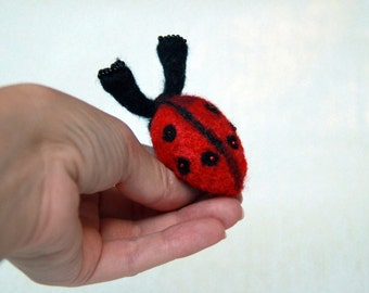 Ladybird needle felt brooch, Christmas ladybug pin kids wool felt brooch, ladybird pins brooch, Ladybird felt art brooch, insects brooch