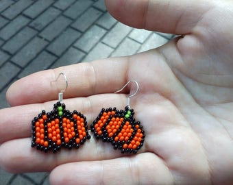 Beaded Pumpkin Earrings, Handmade beaded Halloween pumpkin earrings, Earrings Witch Pumpkin, Halloween Jewelry
