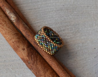 Gold iridescent peyote ring Beaded striped ring Multicolor peyote ring Wide seed beads ring Custom size ring Metallic luster beads ring