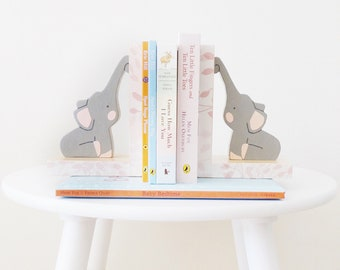 Elephants on Timber Bookends, Childrens Bookends, Jungle Nursery, Forest Kids Decor, Baby Shower Gift, Forest Nursery, Baby Elephant Nursery