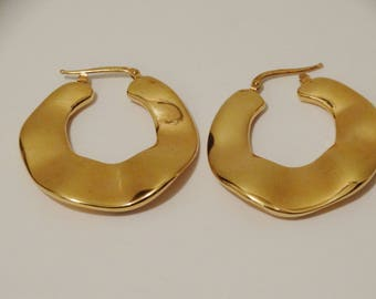 """750k Italian Made 8 Grams 1 1/2"""" Inch In DiameterGorgeous Hoop Earrings"""