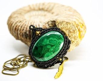 NICOLE. Macrame necklace Malachite, Macrame pendant, macrame jewelry, pendant for necklace, micromacrame, gemstone necklace, gift for her