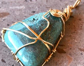 Turquoise Pendant, Spiderweb Turquoise Pendant, Gold Filled Wire Wrapped Turquoise Pendant, 14 KT Gold Filled Pendant, Hand Made Pendant