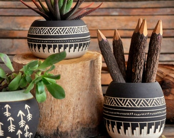 Made to order Ceramic planter pottery Navajo inspiration Carved  sgraffito Vase home deco GEO Aztec Geometric Wheel thrown vase black white