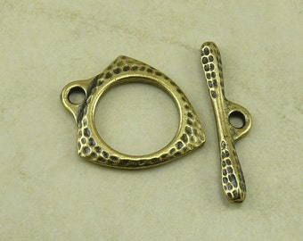1 TierraCast Forged Toggle Clasp - Triangle Acorn Hammered Distressed - Brass Ox Plated Lead Free Pewter - I ship Internationally 6211