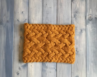 Chunky cable knit cowl - Butterscotch