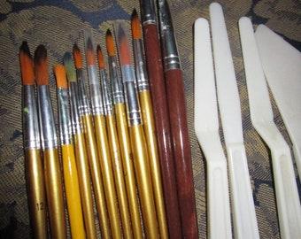 Twelve Assorted Artist Brushes & 4 Palette Knives