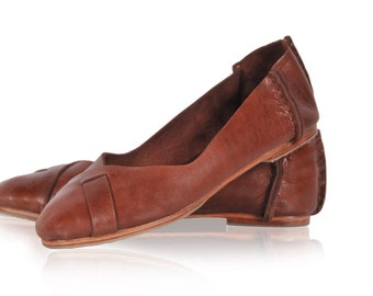 NATIVE. Leather ballet flats / womens shoes / flat shoes / rustic / leather shoes. sizes US 4-14. Available in different leather colors.